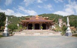 Chon Nguyen tempel. Långa Hai, (utomhus-) Vietnam, Arkivfoton