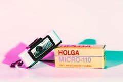 CHONBURI, ΤΑΪΛΑΝΔΗ - τον Αύγουστο του 2018: Μικροϋπολογιστής 110 Holga κάμερα και τ στοκ εικόνες με δικαίωμα ελεύθερης χρήσης