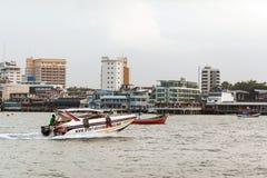 Chonburi, nave della Tailandia è un ristorante di galleggiamento dei frutti di mare vicino alla linea costiera di Pattaya Immagine Stock Libera da Diritti