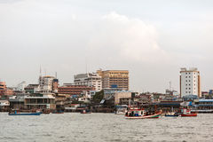 Chonburi, nave della Tailandia è un ristorante di galleggiamento dei frutti di mare vicino alla linea costiera di Pattaya Immagini Stock Libere da Diritti