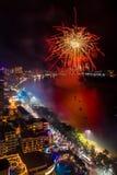 Chonburi, Tailandia - 8 de junio de 2018: Festival internacional de los fuegos artificiales de Pattaya, evento grande en la ciuda fotos de archivo
