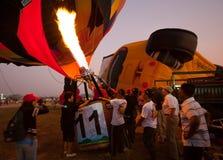 Chonburi Tajlandia, Grudzień, - 12, 2009: Pilotowy upał balonowy b Zdjęcia Stock
