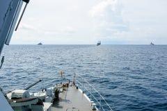 CHONBURI THAILAND - NOVEMBER 10 2016: Fartyget för den thailändska marinen för PCF 991 seglar det snabba efter bildande för marin Fotografering för Bildbyråer