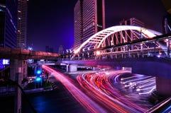 Chong Nonsi skywalk på bangkok skytrain Arkivfoton