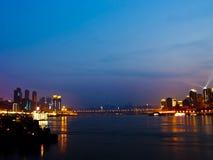 Chongqing på natten Arkivfoton