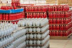 Chongqing Shi Guohua Ceramics Co , Ltd en Kerry Industrial Co productietanks Stock Foto's