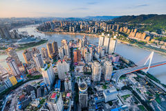 chongqing stadssolnedgång Arkivbild