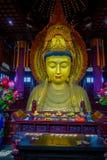 CHONGYUANG świątynia, CHINY - 29 STYCZEŃ, 2017: Zamyka w górę pięknej złotej Buddha statuy, wielkie szczegółowe dekoracje, część Zdjęcie Royalty Free
