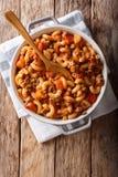Chop suey americano, goulash americana, com massa do cotovelo, carne e imagem de stock royalty free