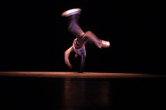 chłopcy b hip hop tancerkę. Obrazy Stock