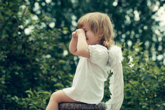 Chłopiec ubierająca jako anioł Obrazy Stock