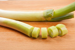 Chopped Leeks on  cutting board Royalty Free Stock Photography