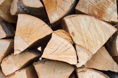 Chopped sörjer vedträ av triangulär form royaltyfri bild