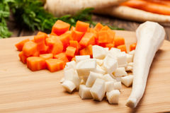 Chopped vegetables on a cutting board Royalty Free Stock Photos