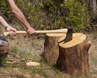 Chopping logs Royalty Free Stock Photography