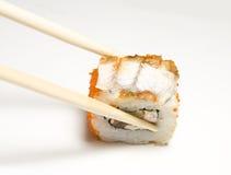 chopsticks σούσια ρόλων Στοκ Εικόνες