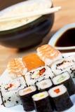 chopsticks σούσια σόγιας σάλτσας  Στοκ Εικόνες