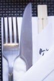 Chopsticks στο ιαπωνικό εστιατόριο Στοκ εικόνες με δικαίωμα ελεύθερης χρήσης