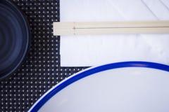 Chopsticks στο ιαπωνικό εστιατόριο Στοκ εικόνα με δικαίωμα ελεύθερης χρήσης