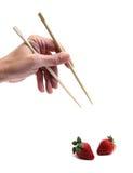chopsticks φράουλα Στοκ φωτογραφία με δικαίωμα ελεύθερης χρήσης