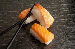 chopsticks mieszanki suszi obrazy stock