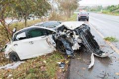 Choque de coche del accidente con el árbol Fotos de archivo libres de regalías