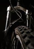 Choques de la bici de montaña Imágenes de archivo libres de regalías
