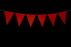 Chorągiewka, sześć czerwonych trójboków na sznurku dla sztandar wiadomości Fotografia Royalty Free