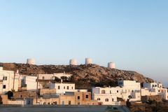 chora日落时间的阿莫尔戈斯岛希腊海岛 免版税库存图片