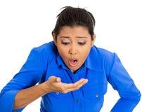 Chora kobieta wokoło rzucać Fotografia Stock