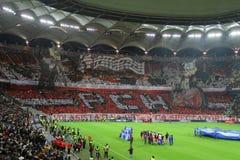 Choreografie des Fußballs 3D bei Dinamo - Steaua lizenzfreie stockfotos