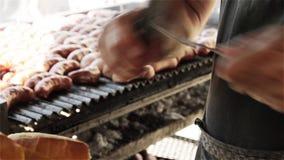 Choripan, la mejor comida de la calle en Buenos Aires almacen de metraje de vídeo