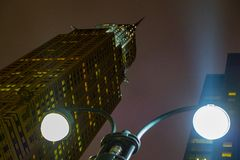 Choriste de gratte-ciel de middtown de Manhattan construisant Art Deco photographie stock