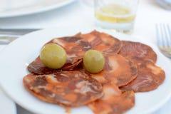 Chorizo et olives Photo stock