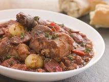 Chorizo van het Brood van het konijn Hutspot met de Uien van de Knoop Royalty-vrije Stock Afbeelding