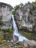 Chorrillo del Salto waterval aan het begin van de herfst, Los Gletsjers Nationaal Park, Gr Chalten, Argentinië patagonië stock fotografie