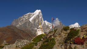 Chorten i himalayasna Fotografering för Bildbyråer