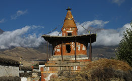 Chorten Przy Charang W Nepal Fotografia Stock