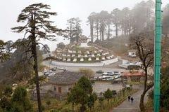 Chortens przy Dochula przepustką, Bhutan Zdjęcia Stock