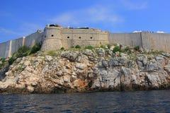 Chorwacja - fortyfikacje widzieć od Adriatyckiego morza Dubrovnik obraz stock