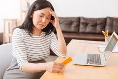 Chory kobieta w ciąży ma migrenę Fotografia Stock