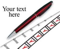 Choses faites marquées par crayon lecteur de plan rapproché sur le blanc Photos libres de droits