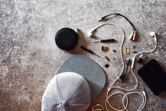 Choses ou accessoires du ` s d'adolescent pendant la vie quotidienne photos libres de droits