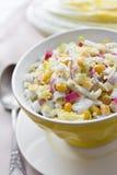 Chou de chine, maïs et salade de surimi Photographie stock