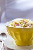 Chou de chine, maïs et salade de surimi Photographie stock libre de droits