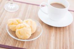 Choux ciasto i kawa Zdjęcie Royalty Free