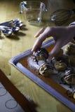 Choux kremowa polewa z czekoladą Zdjęcia Royalty Free
