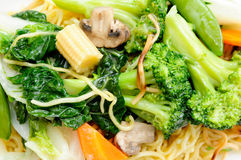 chow mein with noodles Royalty Free Stock Images
