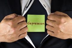 Chować depresję Mężczyzna w kostiumu otwiera jego wewnętrzną koszula wyjawiać jego depresję i rozpina Słowo depresja napisze zdjęcia royalty free