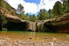 Chowana krystaliczna siklawa w lesie Hiszpania zdjęcie royalty free